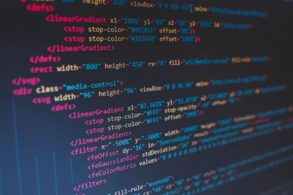 html and css codes - better to use wordpress website